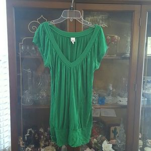 Loose green blouse